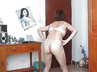 Amateur Chinese Dancing Mature