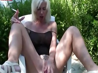 Fetish Kinky Mammy Masturbation MILF Smoking