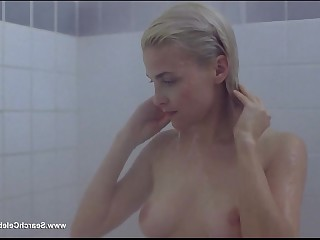 Big Tits Blonde Boobs Celeb MILF Nude Shower Vintage
