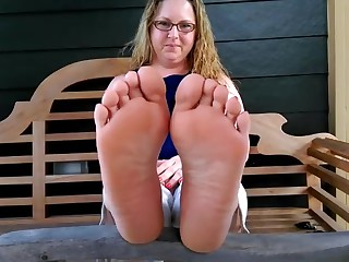 Feet Housewife Mammy MILF Solo Wife