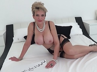 Big Tits Blonde Boobs Dolly Fetish Granny Mammy Mature