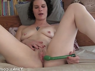 Amateur Brunette Dildo HD Kitty Masturbation MILF Nipples