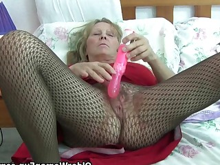 Big Tits Bus Busty Cougar Dildo Fingering Granny Hairy