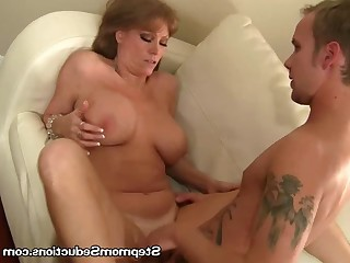 Amateur Big Tits Blonde Couch Fuck Licking Mammy Mature