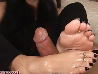 Amateur Black Brunette Cum Cumshot Feet Foot Fetish Footjob