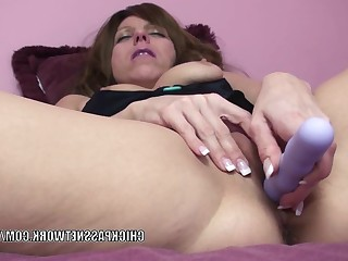 Amateur Dildo Fuck Homemade Hot Housewife Little Mammy